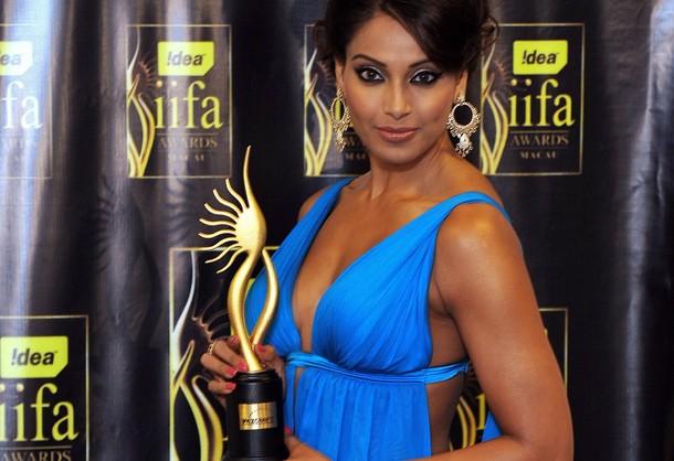 Bipassa-basu-iifa-awards-2009
