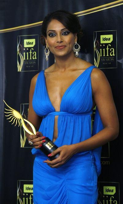 bipasha-iifa-awards