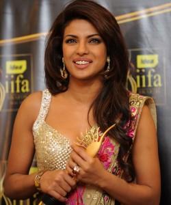 iifa-awards-2009-winners-photos4-250x300