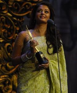 iifa-awards-2009-winners-photos5-250x300