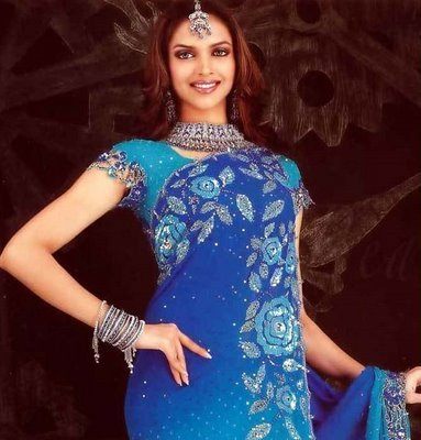 Deepika_in_saree